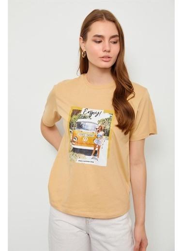 Setre Bej Baskılı Kısa Kol T-Shirt Bej